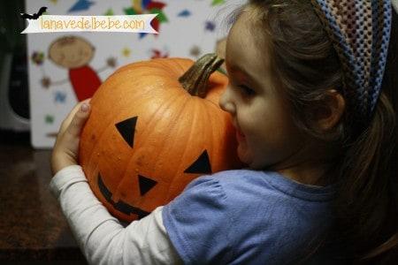 hacer calabaza de halloween con niños